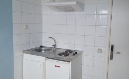 Room for rent from 26 Apr 2018 (Rue de la Constitution, Schaerbeek)