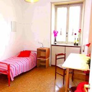Room for rent from 01 Sep 2019 (Viale Guglielmo Marconi, Roma)