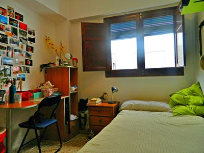 Room for rent from 01 Jan 2019 (Carrer de l'Arquitecte Arnau, Valencia)