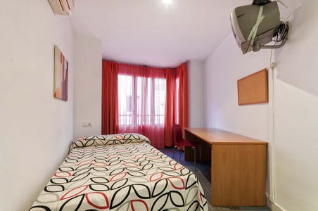 Private room for rent from 01 Oct 2019 (Calle Pozo, Alicante)