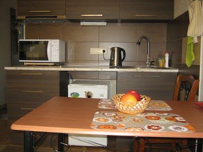 Appartamento in affitto a partire dal 28 mar 2018 (Giorgi Akhvlediani Street, Tbilisi)