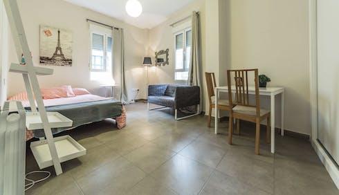 Habitación privada de alquiler desde 30 jun. 2020 (Carrer de les Comèdies, Valencia)