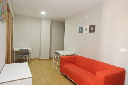 Private room for rent from 31 May 2019 (Carrer del Mestre Racional, Valencia)