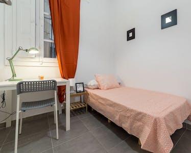 Room for rent from 31 Oct 2018 (Carrer de Matias Perelló, Valencia)