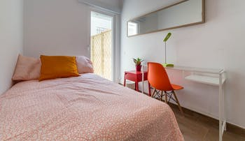 Room for rent from 01 Aug 2018  (Carrer de Lluís de Santàngel, Valencia)