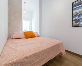 Room for rent from 24 Jul 2018  (Carrer de Lluís de Santàngel, Valencia)