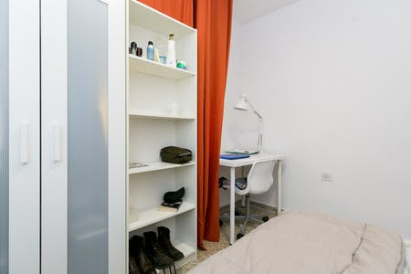 Private room for rent from 01 Jul 2020 (Ancha de Gracia, Granada)