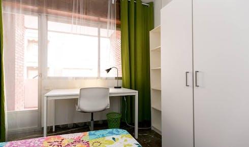 Private room for rent from 01 Jul 2020 (Calle Pedro Antonio de Alarcón, Granada)