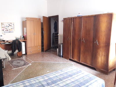 Room for rent from 23 Oct 2017  (Via Filippo Corridoni, Pisa)
