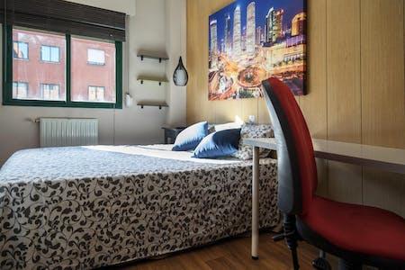Private room for rent from 19 Jan 2019 (Avenida de los Poblados, Lavapiés)