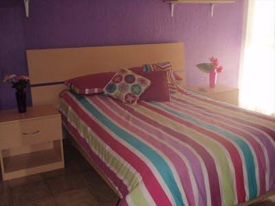 Private room for rent from 16 Oct 2019 (Benjamín Romero, Guadalajara)