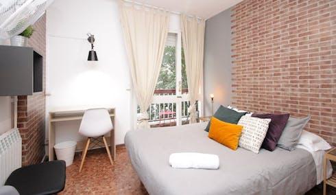 Habitación privada de alquiler desde 01 mar. 2020 (Carrer de Roger de Llúria, Barcelona)
