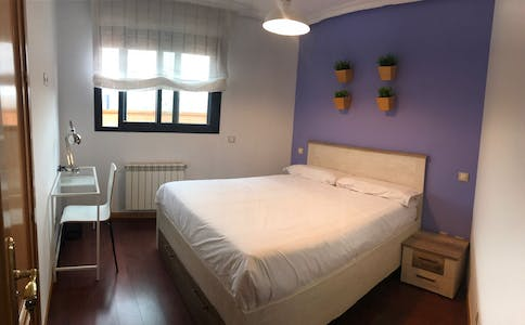 Private room for rent from 01 Jun 2019 (Avenida del Planetario, Madrid)