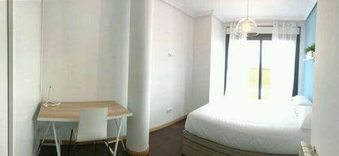 Room for rent from 01 Jun 2019 (Avenida del Planetario, Madrid)