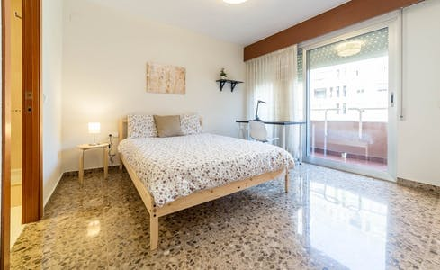 Room for rent from 01 Jan 2019 (Carrer de la Ciutat de Mula, Valencia)