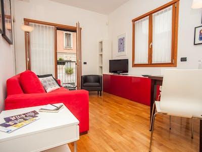 整套公寓租从30 9月 2018 (Via Garofalo, Milano)