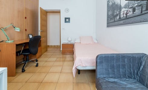 Room for rent from 01 Mar 2018  (Carrer d'Eduard Boscà, Valencia)