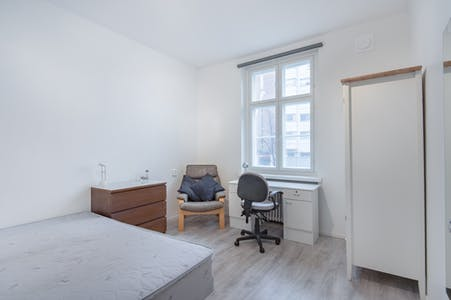 Private room for rent from 01 Nov 2019 (Hämeentie, Helsinki)