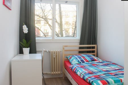 Room for rent from 21 Jan 2018 (Ringbahnstraße, Berlin)