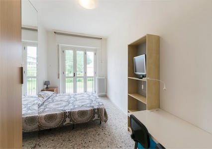 Private room for rent from 01 Aug 2020 (Via Achille Feraboli, Milano)