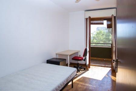 Private room for rent from 01 Feb 2020 (Via Nicola Romeo, Milano)