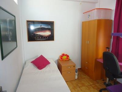 Privé kamer te huur vanaf 01 sep. 2019 (Paseo de la Victoria, Córdoba)