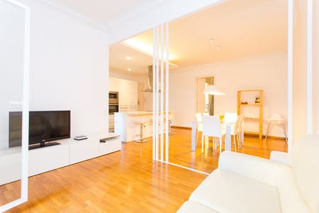Apartment for rent from 01 Aug 2019 (Carrer del Consell de Cent, Barcelona)