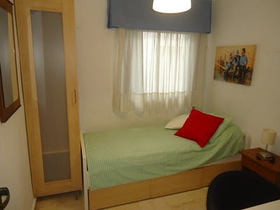 Private room for rent from 01 Feb 2020 (Calle Reyes Católicos, Córdoba)