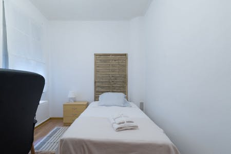 Room for rent from 01 Sep 2019 (Calle de Fernando el Católico, Madrid)