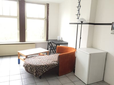 Private room for rent from 01 Aug 2019 (Mathenesserdijk, Rotterdam)