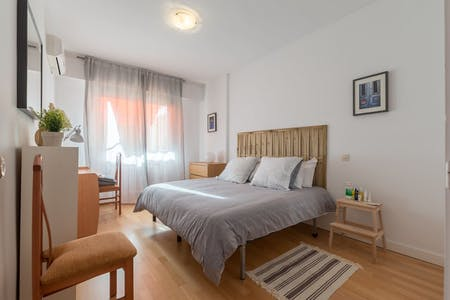 Apartment for rent from 01 Aug 2020 (Calle del Pinar, Madrid)
