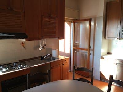 Room for rent from 01 Sep 2018 (Via San Donato, Bologna)