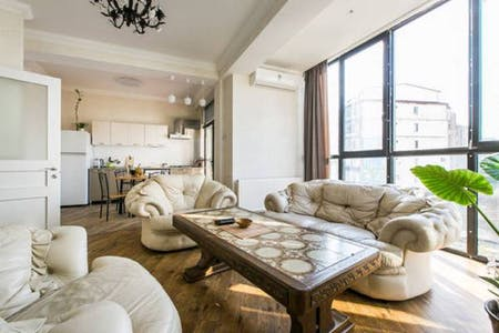 整套公寓租从21 1月 2018 (Pekini Avenue, Tbilisi)