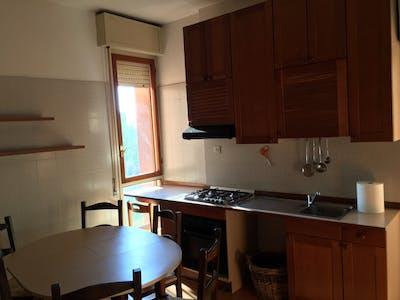 Shared room for rent from 01 Feb 2020 (Via San Donato, Bologna)