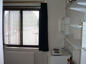Private room for rent from 01 Aug 2019 (Avenue de la Couronne, Ixelles)