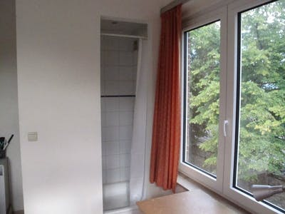 Private room for rent from 09 Mar 2019 (Avenue de la Couronne, Ixelles)