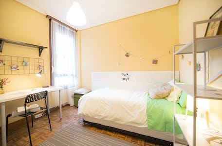 Habitación privada de alquiler desde 01 Jul 2020 (Calixto Diez Kalea, Bilbao)