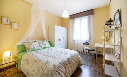 Private room for rent from 01 Jul 2020 (Calixto Diez Kalea, Bilbao)