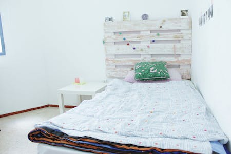Private room for rent from 01 Jul 2019 (Calle Azafrán, Sevilla)