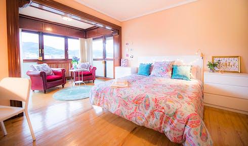 Private room for rent from 01 Aug 2020 (Grupo Reverendo Vicente Garamendi, Bilbao)