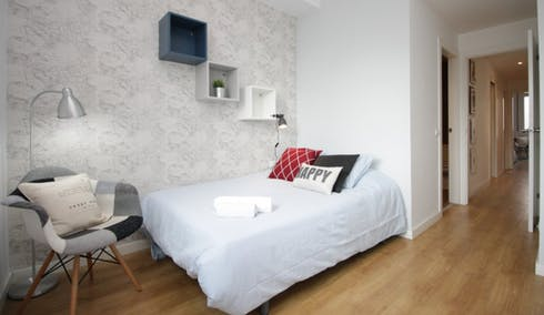 Private room for rent from 01 May 2019 (Avinguda del Príncep d'Astúries, Barcelona)