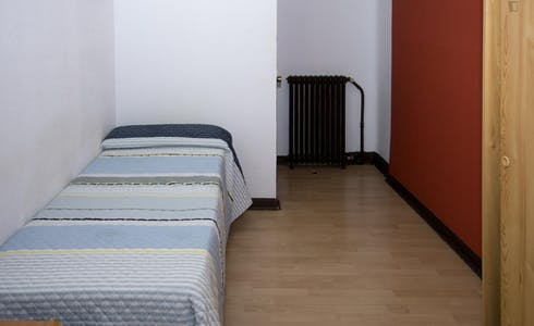 Room for rent from 01 Jul 2018 (Gran Vía, Madrid)