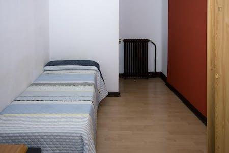 Zimmer zur Miete von 01 Jul 2019 (Gran Vía, Madrid)