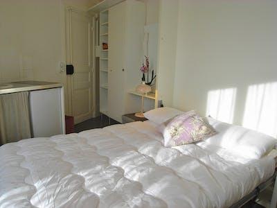 整套公寓租从01 1月 2021 (Rue du Pont aux Choux, Paris)