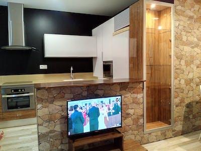 privatzimmer zum mieten in valencia carrer de la vall de laguar housinganywhere 1345183. Black Bedroom Furniture Sets. Home Design Ideas