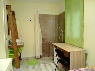 Private room for rent from 21 May 2019 (Carrer de la Vall de Laguar, Valencia)