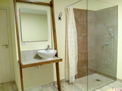Private room for rent from 01 Jul 2019 (Carrer de la Vall de Laguar, Valencia)