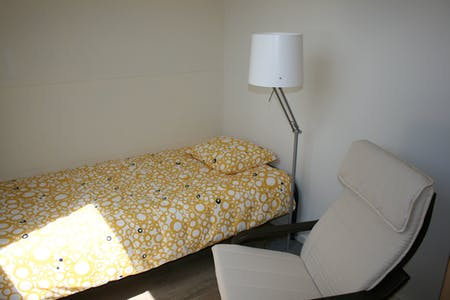 Private room for rent from 02 Jul 2019 (Hendrik van Deventerstraat, The Hague)