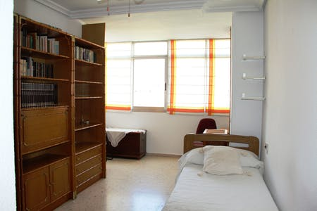 Room for rent from 04 Jan 2019 (Calle Ceuta, Murcia)
