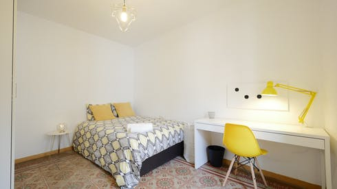 Private room for rent from 01 Jul 2019 (Carrer de Santa Anna, Barcelona)